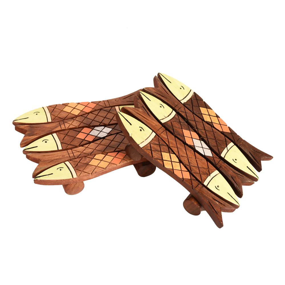 """Coaster Wooden Handcrafted Fish Small with Tribal Art (Set of 2) (5x4"""")"""