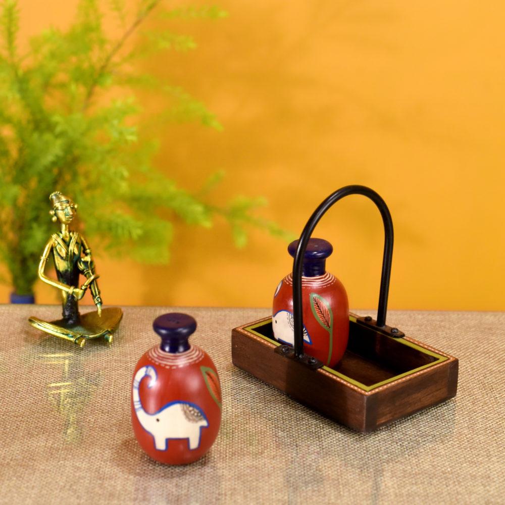 Happy Elephant Salt n Pepper Shaker in Tray